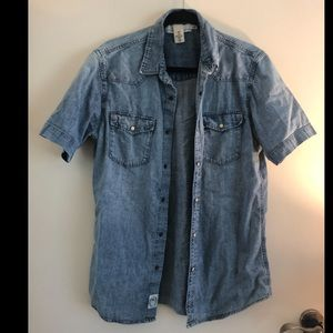 Denim Shortsleeved snap button down M